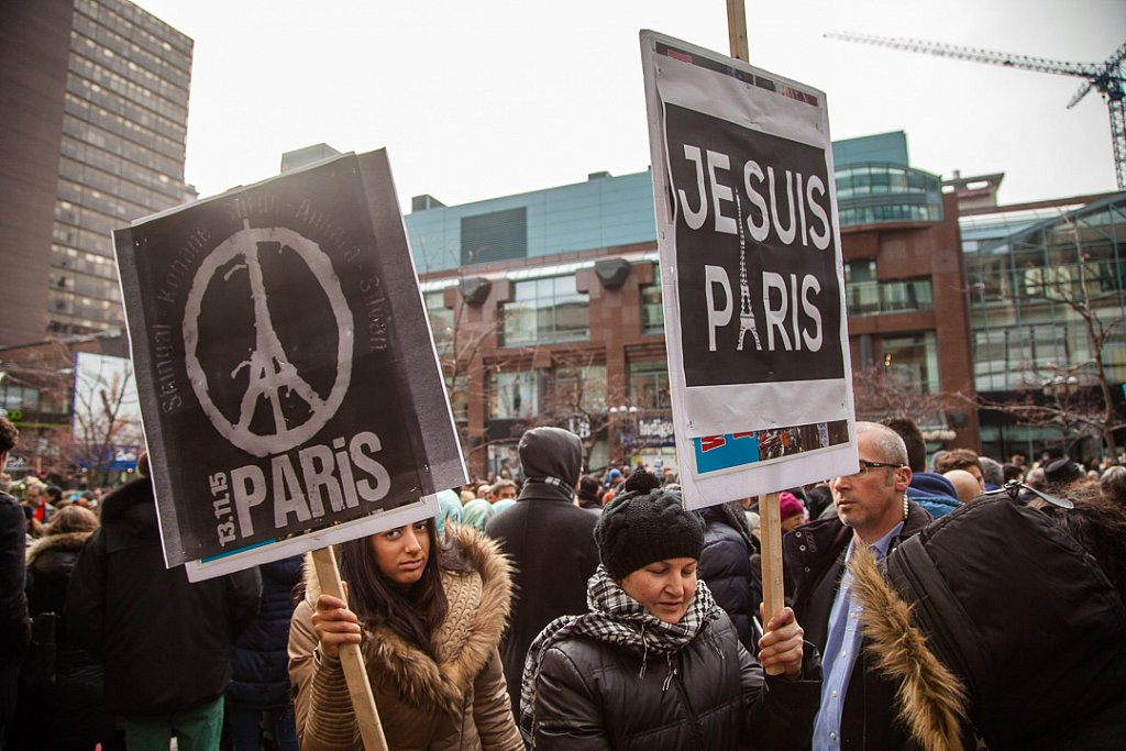 Thousands join silent march in Montreal  for Paris attack victims
