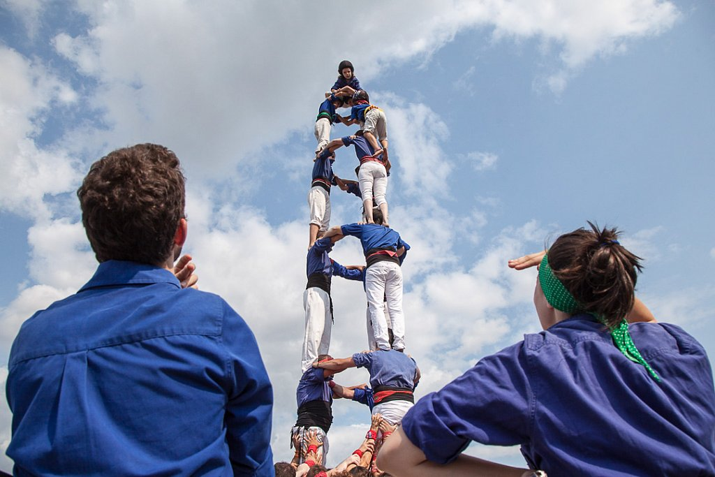 Human tower at Montreal Completement Cirque festival
